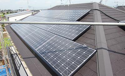 太陽光発電機器設置の写真